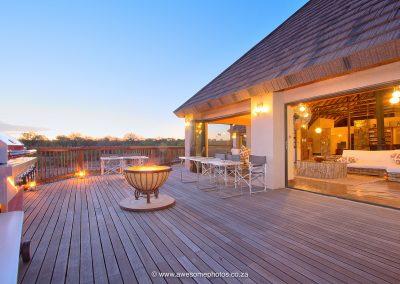 Karula Lodge Klaserie dinner on die deck