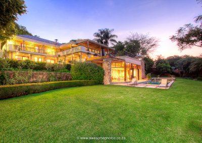 House Higgo beautiful gardens