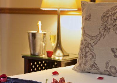Centurion Golf Suites romantic getaway, Centurion Golf Suites dinning room overlook the golf course